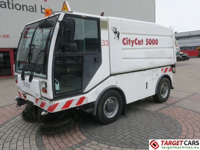 BUCHER CITYCAT CC5000 STREET SWEEPER WHITE 2003