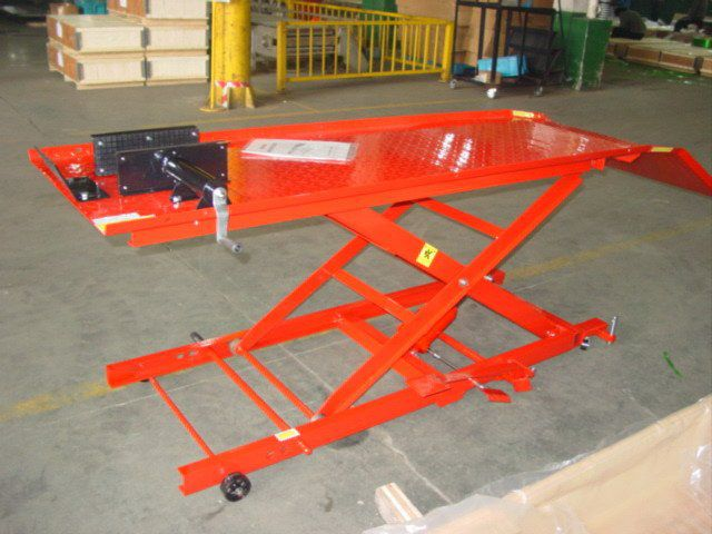 ML1000H MOTORCYCLELIFTBRIDGE 450KG HYDRAULIC RED