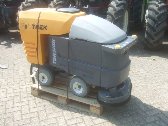 TREK TB4 TORSION AUTOMATIC SCRUBBER FLOOR CLEANER S05277