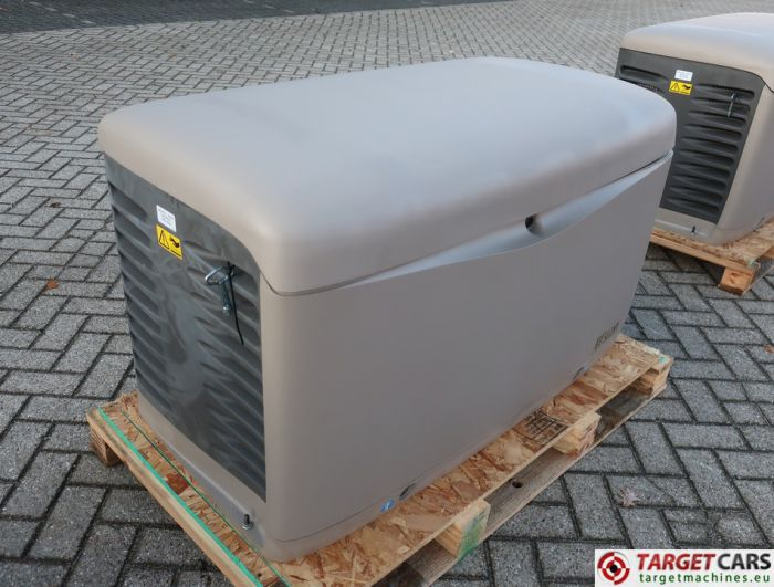 SDMO RESA14TEC RESIDENTIAL GAS GENERATOR 12KVA 400V/230V KOHLER ENGINE NEW/UNUSED 2015 SGM32CWG4