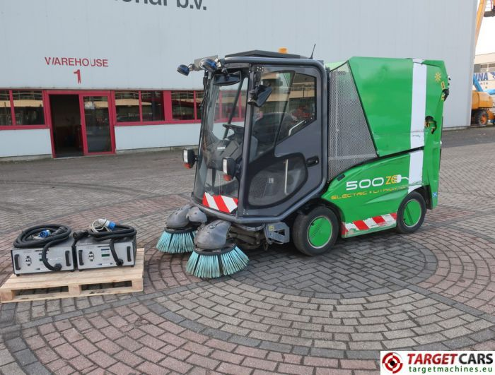 TENNANT 500ZE ELECTRIC LITHIUM-ION SUCTION SWEEPER GREEN 2014 2765HRS