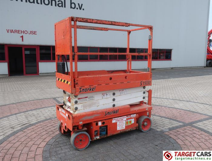 SNORKEL S1930 ELECTRIC SCISSOR WORK LIFT 780CM 11-09 262HRS